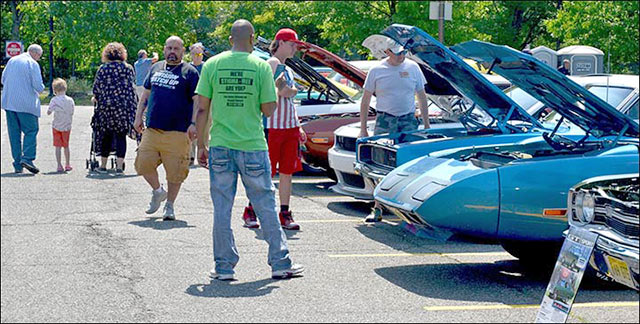 people at north jersey car show